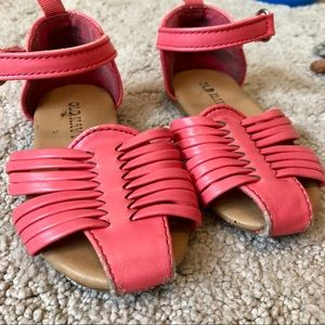 Old Navy Shoes - 🎀 Size 5 Sandal Bundle 🎀